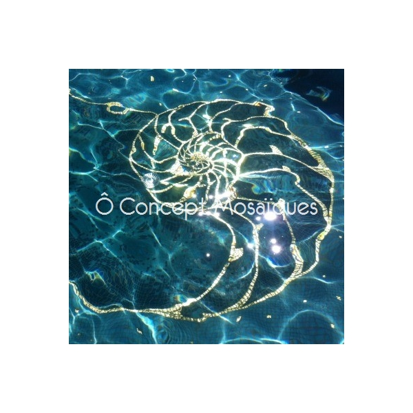 Coquille en mosaque or carats with coquillage piscine for Coquillage piscine