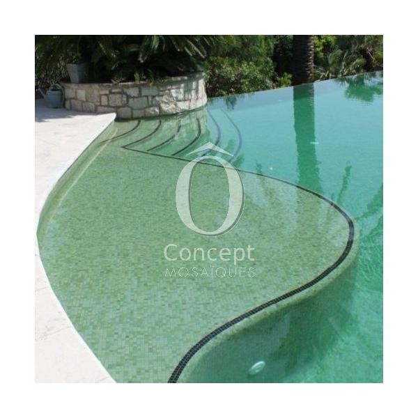 Carrelage vert olive clair concept for Piscine concept lyon