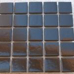Mosaïque de verre noire