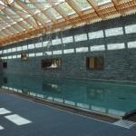 Majestueuse piscine d'intérieur en inox